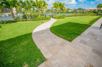 MARBLE-DECK-WITH-ARTIFICIAL-TURF-FOTO-353