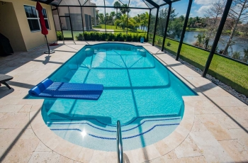 MARBLE-DECK-WITH-GLASS-TILE-2-FOTO-274